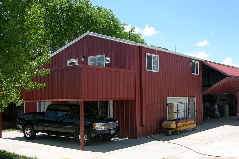 Metal Barn Homes >> Barndominiums Barn Home Kits Shops With Living Quarters